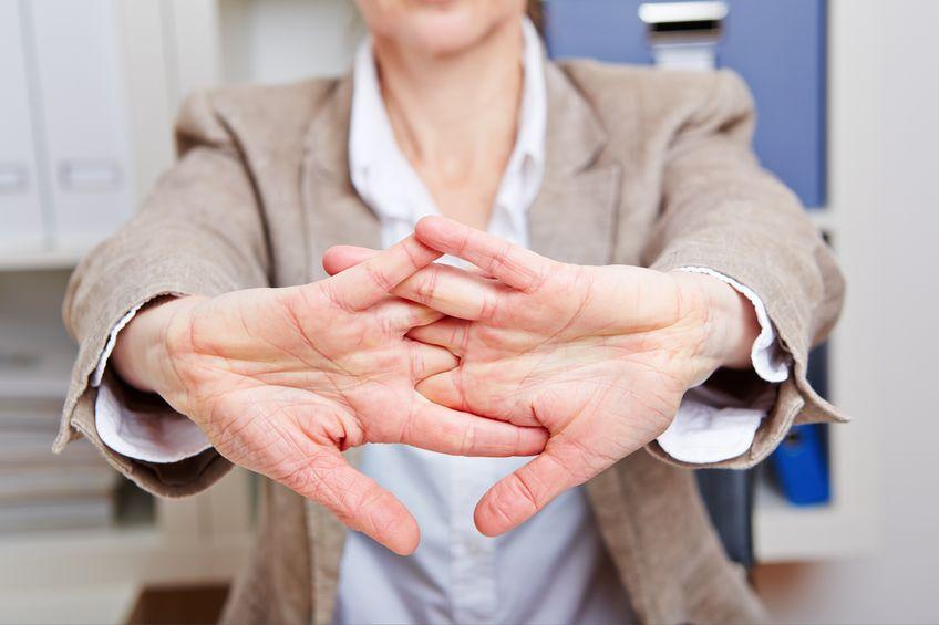 Precvičovanie prstov pri práci