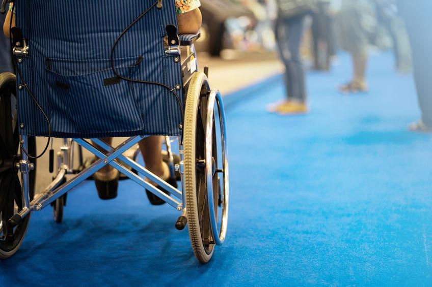 Vozíčkar v nemocnici skleróza multiplex