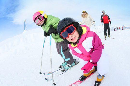 Lyžovačka s deťmi cez jarné prázdniny - Wellness Magazín