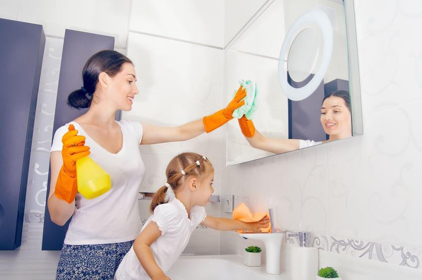 Aj dieťa môže pomôcť matke pri upratovaní - Wellness Magazín