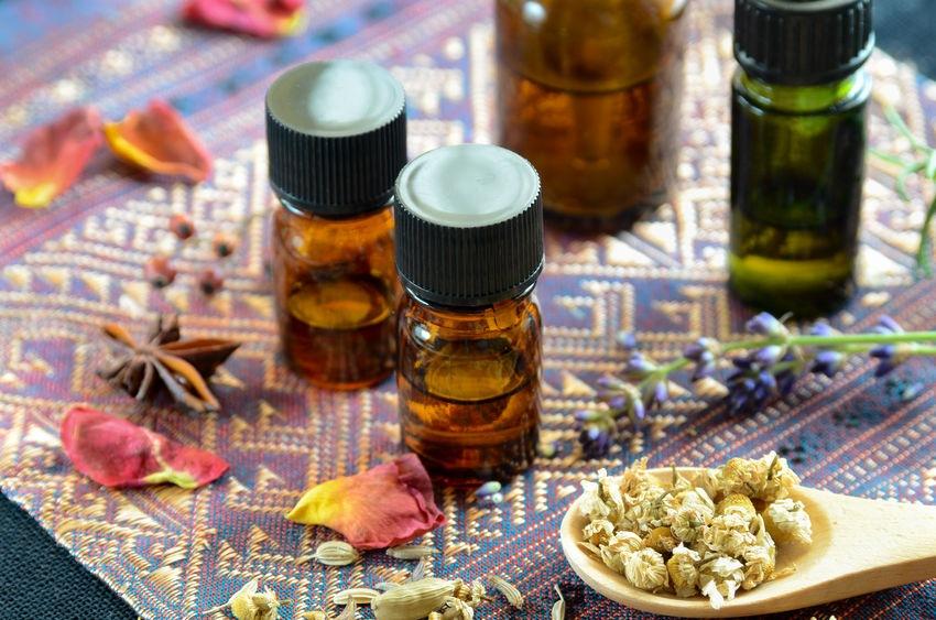 Arganový, jojobový či levanduľový olej vám prinesú nielen čistú, ale aj hydratovanú pleť.