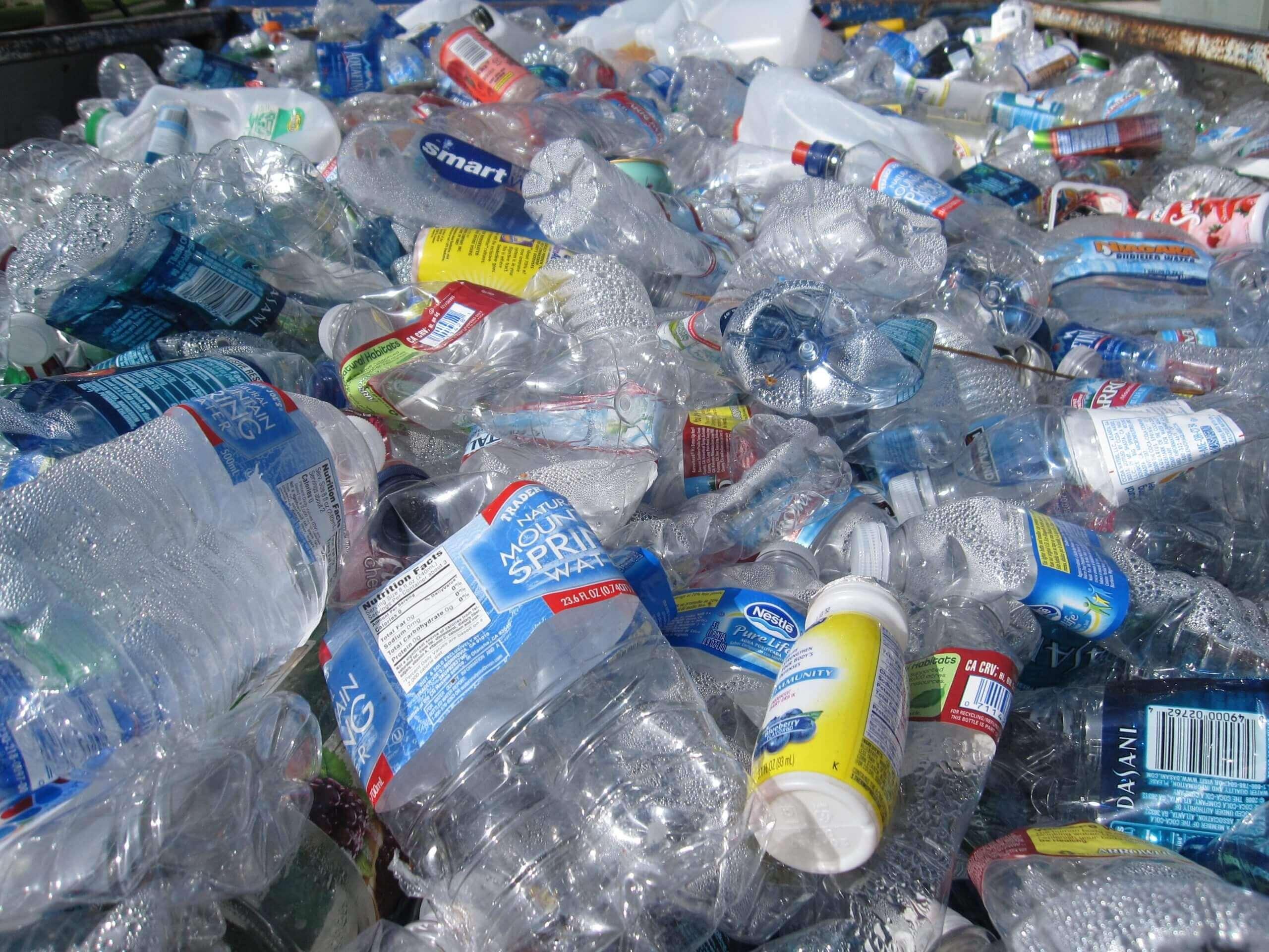 Plastové odpady tvoria väčšinu dennej produkcie odpadov v domácnostiach