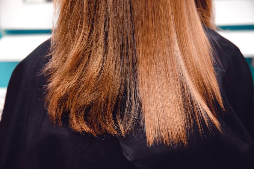 keratín pomáha pri rozštiepených končekoch a suchých vlasoch