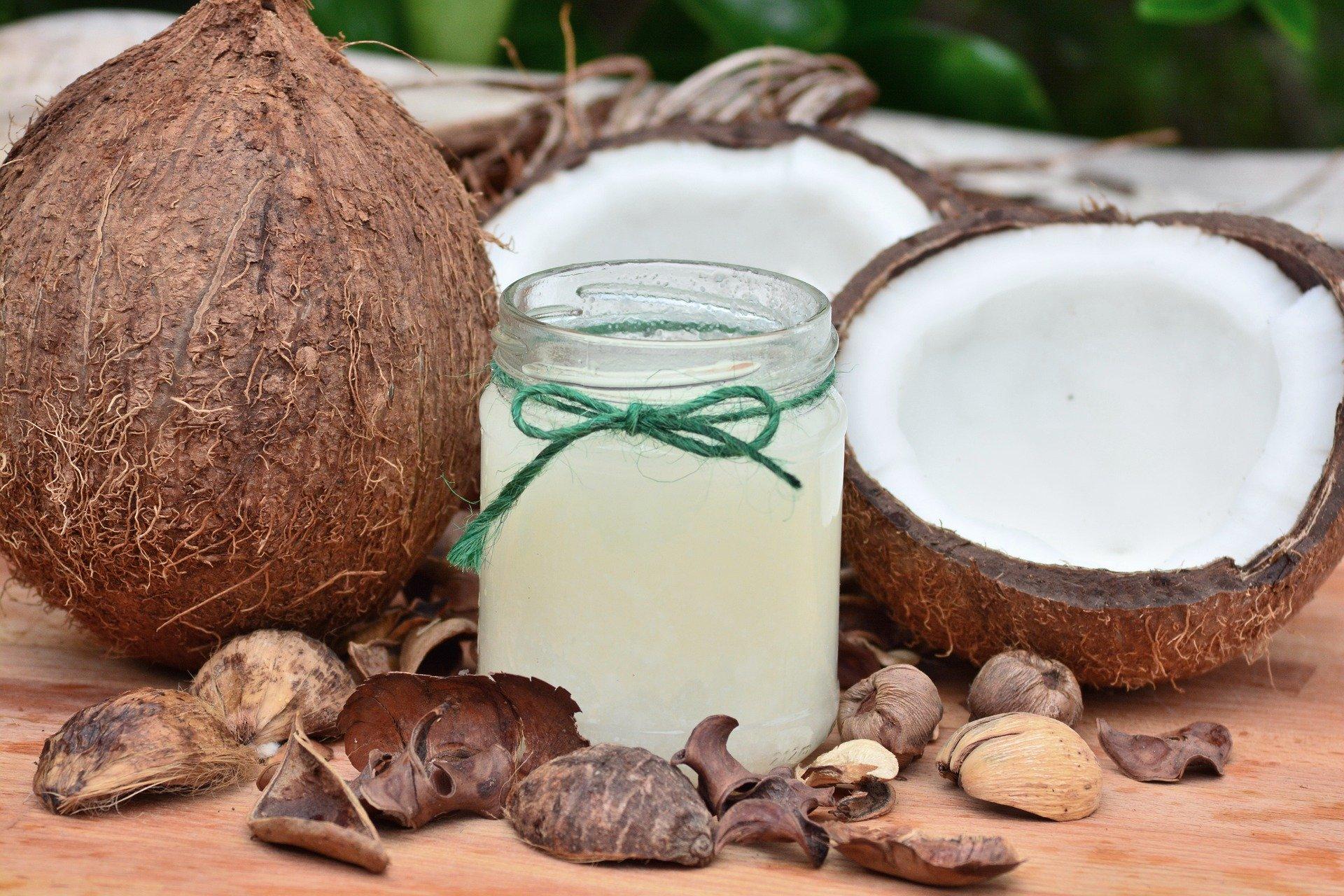 kokosový olej pomáha vybieliť zuby a osviežiť dych