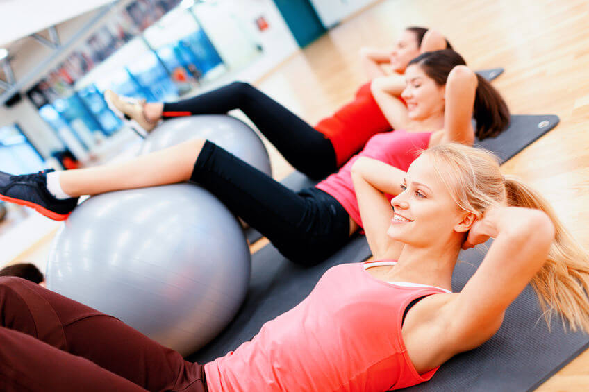 Cviky s fitloptou sú súčasťou pilates a dokážu vaše telo poriadne vyšťaviť