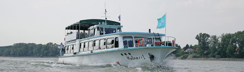 Plavba po Dunaji sa dá absolvovať aj výletnou loďou Wellness I