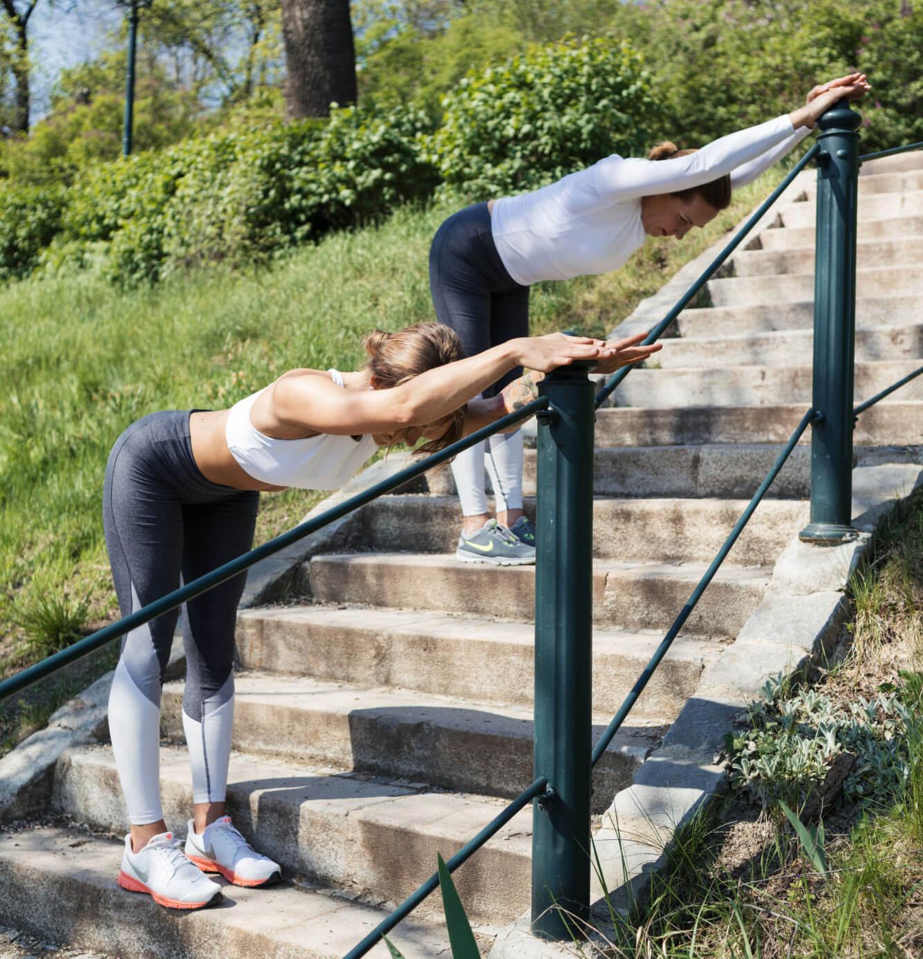 Cviky na svalové dysbalancie v podaní Hanky Toufarovej a Hany Toufarovej – FIT PAIN FREE