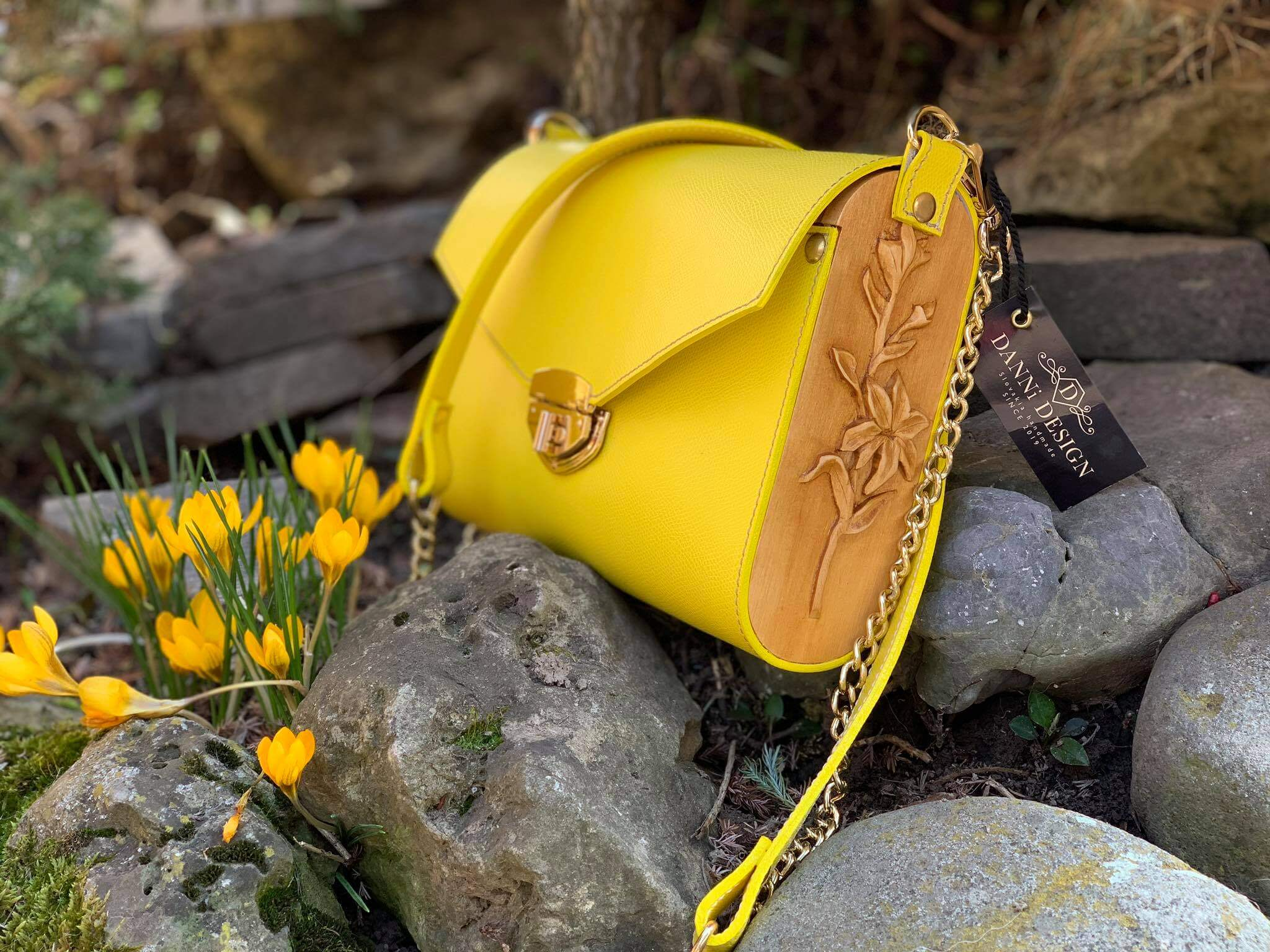 Danni Design kabelka – žltá koža / drevo