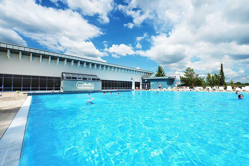 Bazén v Holiday Park Kováčová