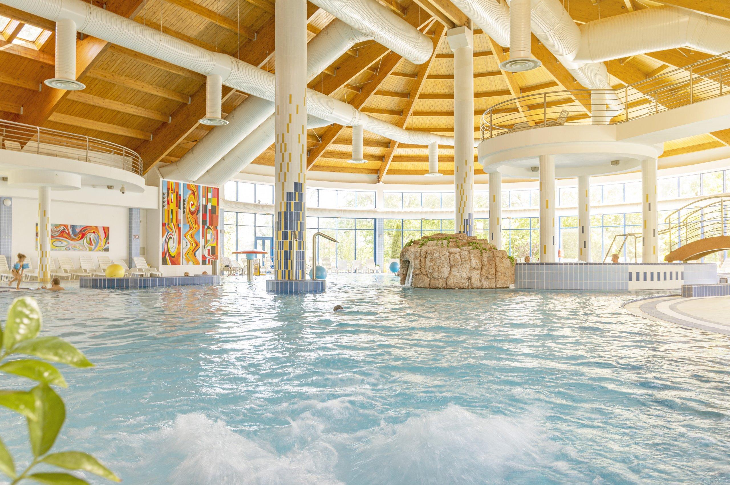 Vnútorné bazén vo Wellness Hoteli Patince