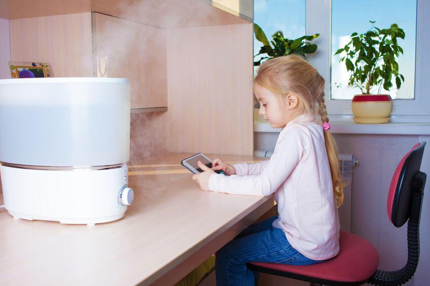 Čistička vzduchu je vhodné umiestniť aj do detskej izby, aby vaše deti dýchyli v prípade alergií čistý vzduch.