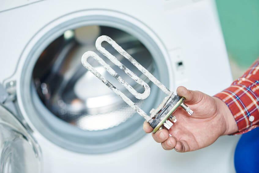 Aj vašu práčku môže poriadne potrápiť vodný kameň.