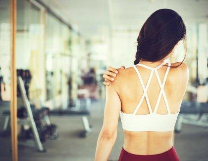 Pozor na bolestivé cvičenie.
