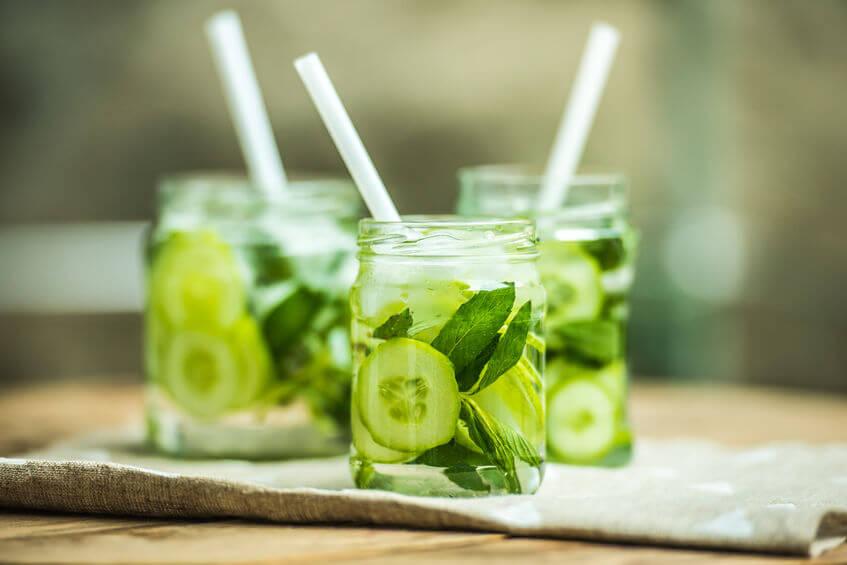 Pravidelné pitie uhorkovej šťavy posilňuje imunitu a vplýva na zdravý rast vlasov či nechtov