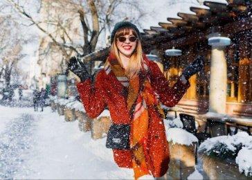 Dievča cez zimu