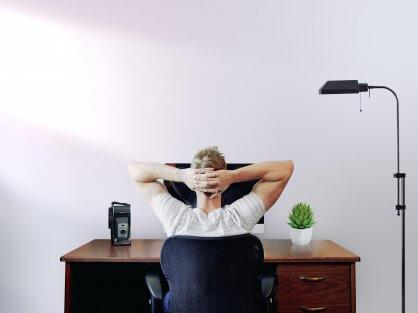 Sediaci človek