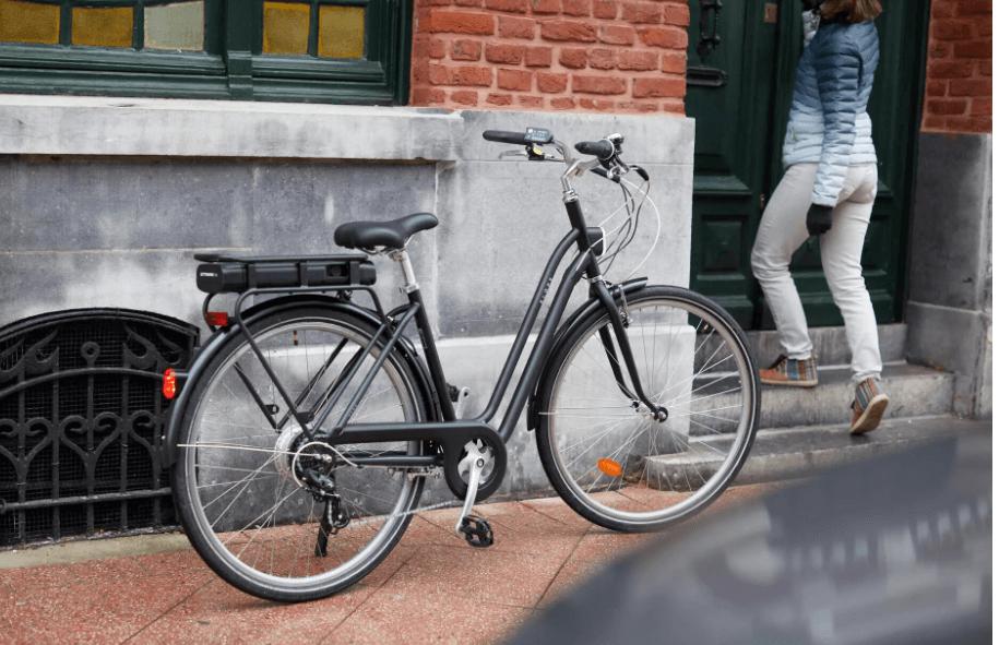Elektrobicykel - elektrický mestský bicykel od decathlon.sk