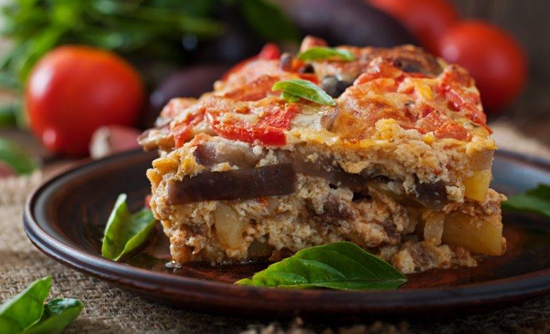 Grécke recepty - Moussaka - grécky slaný koláč z mletého mäsa.
