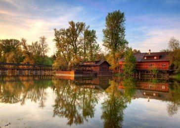 Lodný mlyn v Kolárove na južnom Slovensku.