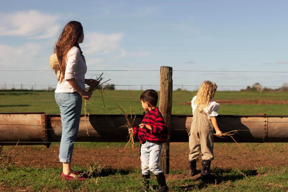 Kam na výlet po prázdninách. Deti na farme