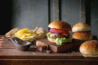 Domáci hamburger z hovädzieho mäsa bude kraľovať vašej jedálni